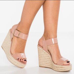 Steve Madden Santorini wedge sandal 8.5 NWOB